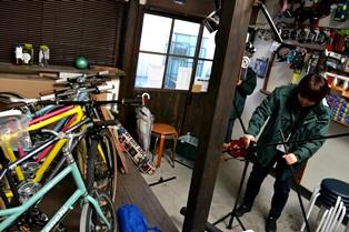 自転車と 富雄の街は 咲く華の にほふがごとく 今盛りなり_2