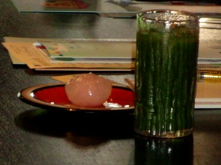 奈良町の風情ある菓子司で妖怪の世界を楽しむ!_4