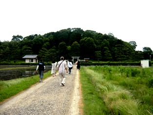秋篠から古墳を巡る_10