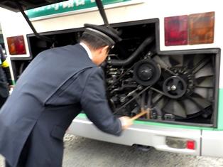 2両連接バス「華連」に体験乗車できました_10
