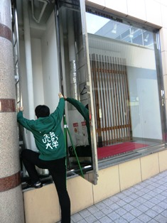 そこは近鉄奈良学園駅の前_3