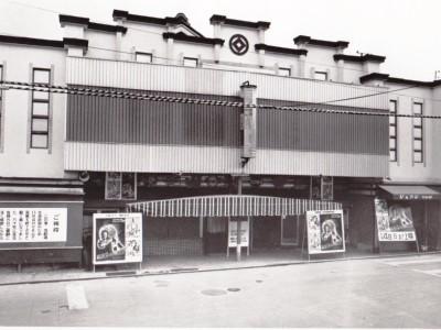 奈良に800席を有する映画館_2