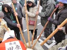 ひとまちレポート お餅つきで日本の伝統文化を体感_6